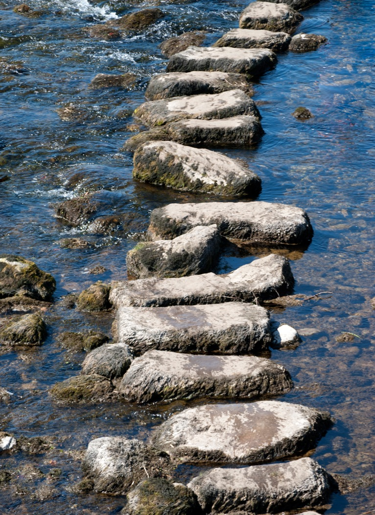 photodune-4977314-stepping-stones-l
